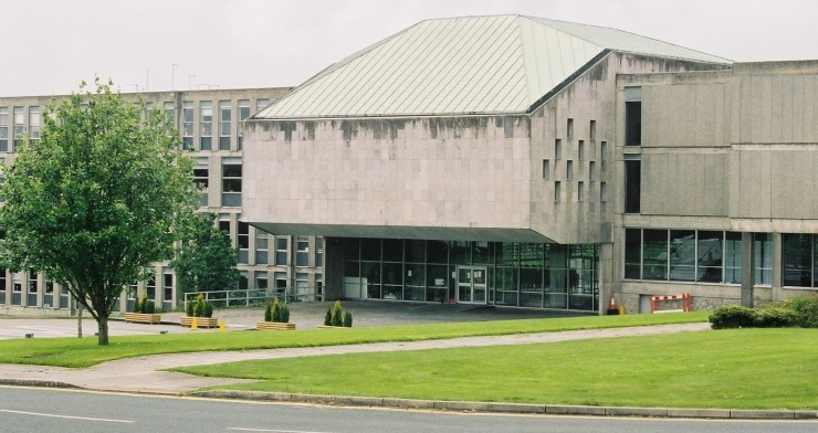 Page 5 middle New County Hall.jpg